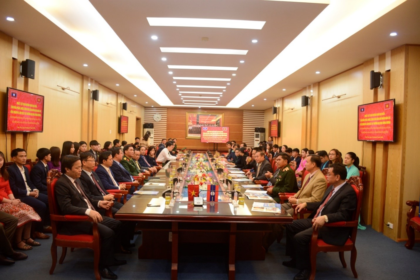 Delegation of Houaphan Province - Lao People